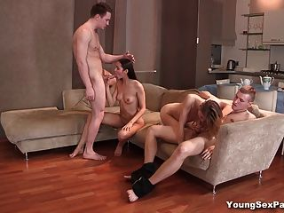 Young Sex Parties - Foursome Swinger Fuck Party