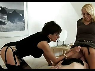 Allgirlmassage chloe amour 69s with stepcousin 6