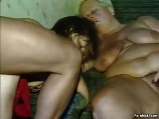 German Teen Licking Cunts