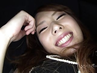 Yui Hatano Deepthroats Cock In Car (uncensored Jav)