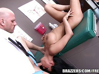 Brazzers - Peta Jensen Gets Fucked By Her Doctor