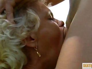 Alte Frau In Auto Gefickt