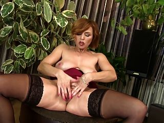Super Hot Mature Mom Needs A Good Fuck