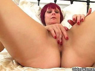 British Milf Penny Gets Worked Up In Nylon Tights