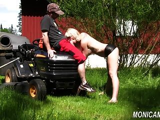 Monicamilf Is Fucking The Gardener - Norsk Porno