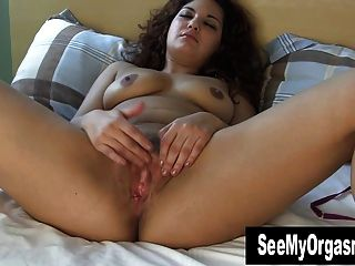 Sweet Maya Masturbating Her Cunt