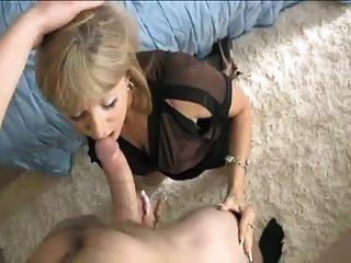 Mature Mom Making Not Her Son Cum