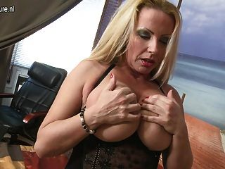 Big Breasted Super Hot Mature Mom Fucking Young Boy