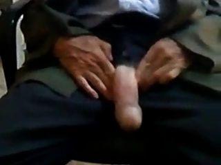 Str8 Arab Daddy Pop Out His Huge Tool