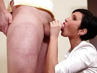 Milf loves to suck cock