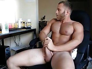 Str8 Guy Watching Porn & Stroke