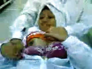 Malay- Minah Tudung Hijab Tayang Tetek Dan Pepek
