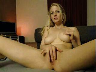 Girl With  Great Body Sticking Her Pussy