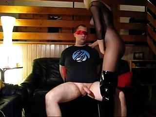 Pleasing A Submissive Dude