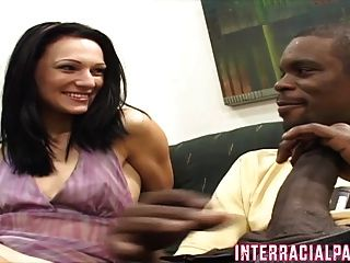 Milf Victoria Takes A Real Mann Right Up Her Ass!!
