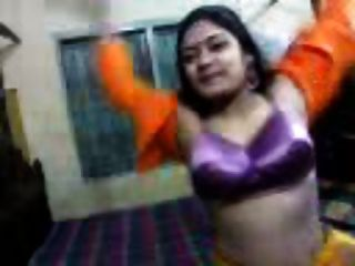 Busty Desi Vabi In Webcam Showing Assets