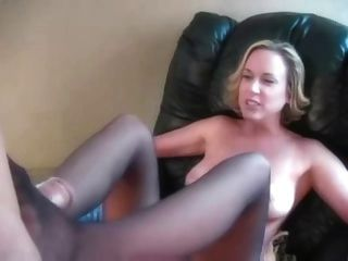 Housewife Pantyhose Footjob