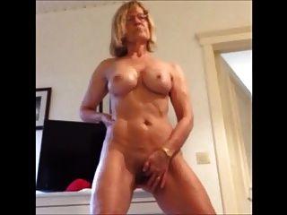 Delicious Women Masturbating