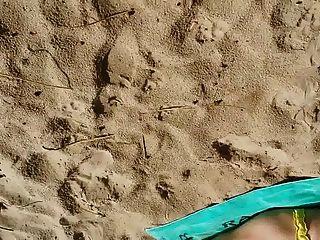 Str8 Men Jerking In Beach For A Slut