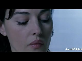 Monica Bellucci - Agents Secrets