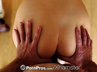 Pornpros - Pretty Alexis Adams Bakes Some Goodies For Guy