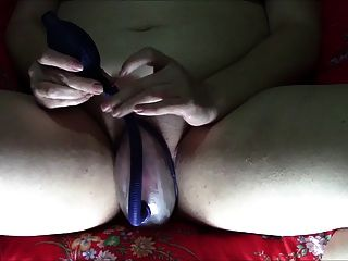 Geeky Chubby Girl Uses Pussy Pump And Vibe