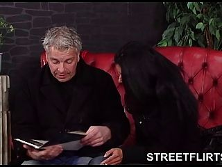 Streetflirts.com Fake Casting Agent Gets Blowjob