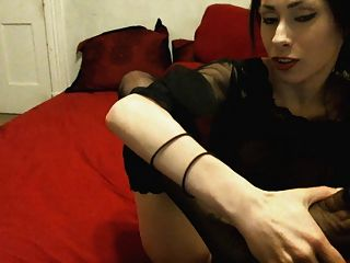 Pale Beauty - Pussy Play