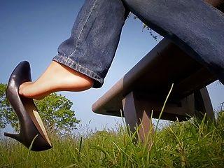 Outdoor In Jeans & Heels