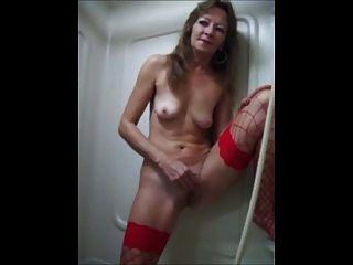 Nice Women In The Bath 4.