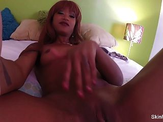 Hottie Skin Diamond Toys Her Tight Pussy In Bed