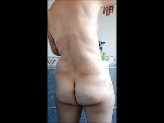 baise homo suce moi sous la douche