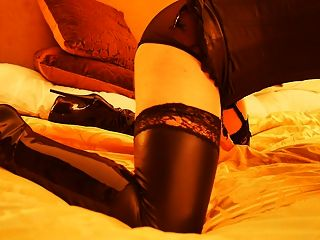Cd Masturbation In Boots And Corset