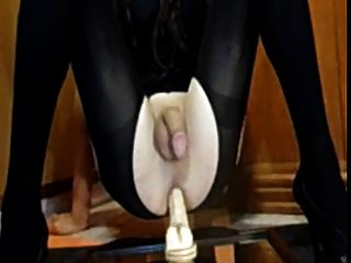 Amateur Crossdresser - Deibly Prostate Milking No Hands