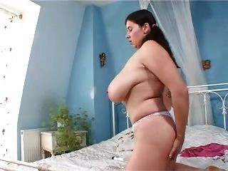 Huge Tits Solo On Bed Vr88
