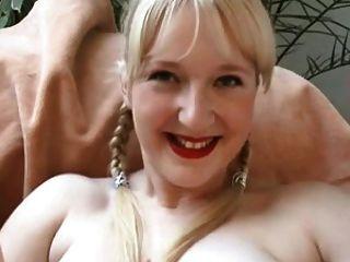 4 Sluts Spread Pussy