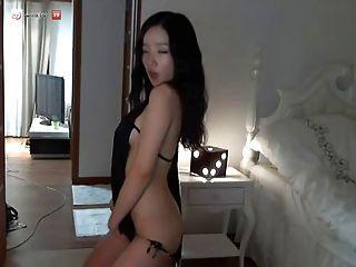 Gorgeos Korean Girl