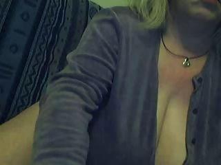 Big Mature On The Webcam R20