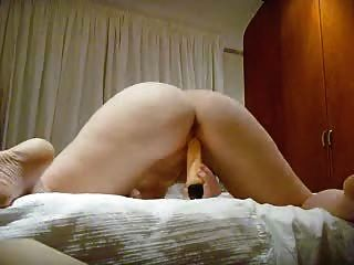 Iris: Playing With Good Ass View
