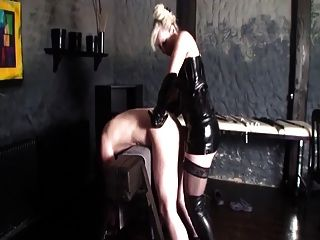 Pro Mistress And Her Strapon