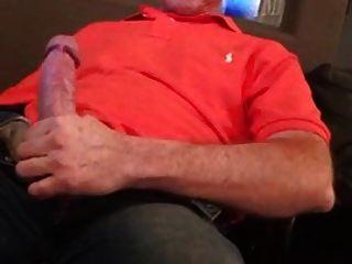 Str8 Daddy Jerking Watching Porn