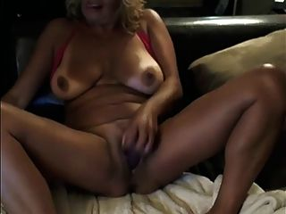 Amazing Milf Plays On Her Cam