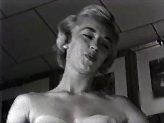 Be Bop Blonde - Vintage Striptease In Heels