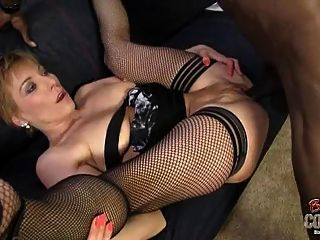 White Mom Butt-fucked By Bbc At Ghetto