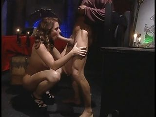 Hot Chick Spreads Her Legs For A Big Cock