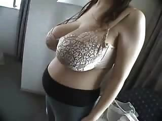 Big Boobs Prego Girl