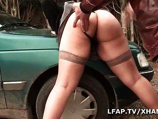 Carmen 22 ans sodomisee sur le capot de la voiture - 3 part 7
