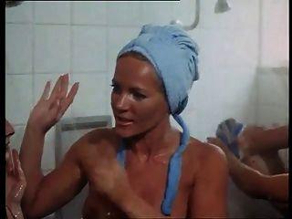 Lesbians Shower Movie Scene Actress - Tata Tota Lesbian Blog