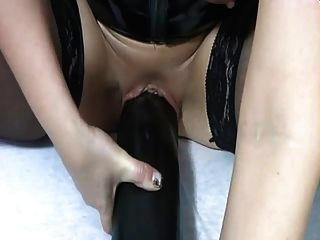 Hotvivien - Fitness Mit Monsterdildo