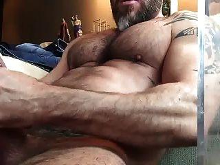Str8 Bear Stoke While Watching Porn